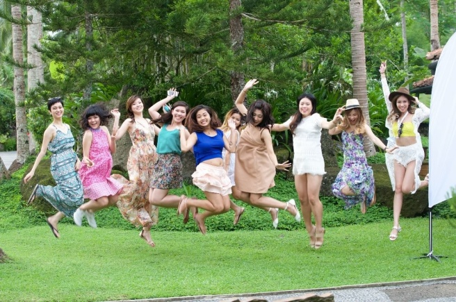 From left to right: Marlene, Sonia, Emily, me, Sara, Clara, Roseanne, Charis, and Jamie. Photo (c) Cetaphil Malaysia
